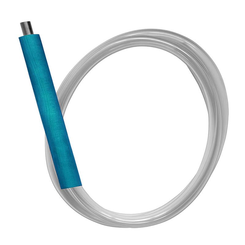 Blauer Shishaschlauch mit einem Eis-Mundstück