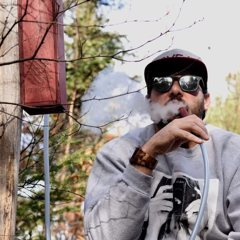 Doing hookah in the forest_meric